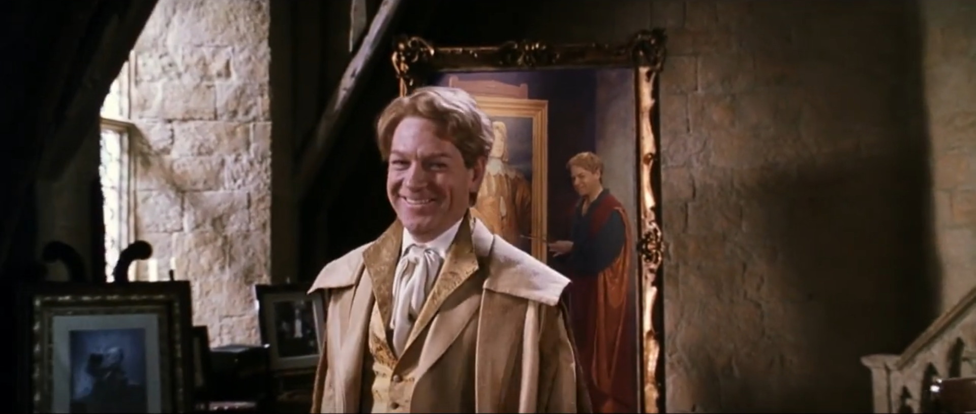 Gilderoy Lockhart Charmantestes Lächeln © 2018 Warner Bros. Ent.  All Rights Reserved.  Wizarding World™ Publishing Rights © J.K. Rowling  WIZARDING WORLD and all related characters and elements are trademarks of and © Warner Bros. Entertainment Inc.