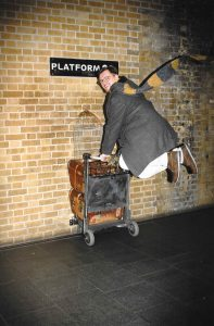 Harry Potter Shop Platform 9 3/4